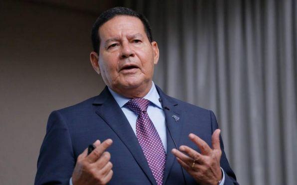 Mourão defende aproximação do governo com partidos de centro