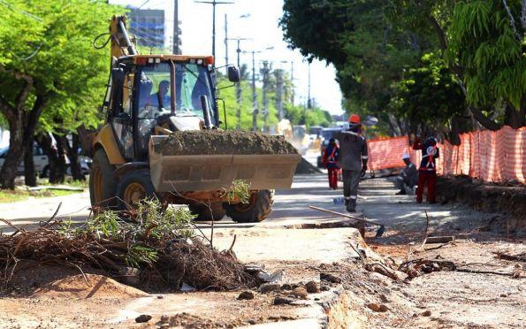 Avenidas em obras continuam com interdições nesta terça-feira