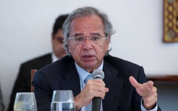 Sistema atual é um manicômio tributário, diz Paulo Guedes