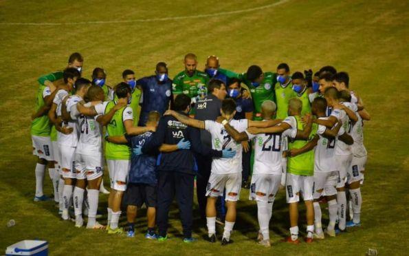 Confiança embarca para São Paulo sem Moritz e Ennes, lesionados