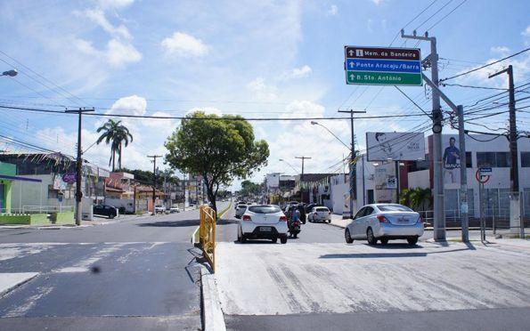 Vias em obras continuam com alteração no trânsito nesta terça-feira