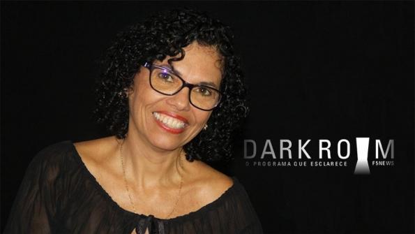 Dark Room recebe a radialista Magna Santana
